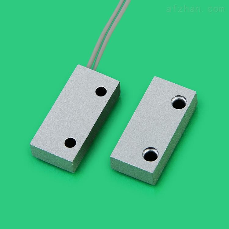 """12V门磁传感器生产厂家 门磁开关生产厂家深圳市思荣电子有限公司成立于2001年,生产车间面积3000平方米,员工近300余人,拥有独立的门磁开关研发部门和技术工程师,自行研发生产各款新颖实用的门磁开关。门磁开关厂家思荣电子一直秉承""""和谐方共赢,质量是生命、服务是关键、诚信是根本""""的经营理念,全心全意为广大客户提供实用的门磁开关,思荣门磁开关深受各位新老客户的一致好评和青睐。 思荣门磁开关核心优势: 1. 品质优势:确保每一个门磁开关都采用进口原料做外壳,高级精密干簧管做内置,门磁开关使用寿命均在10"""
